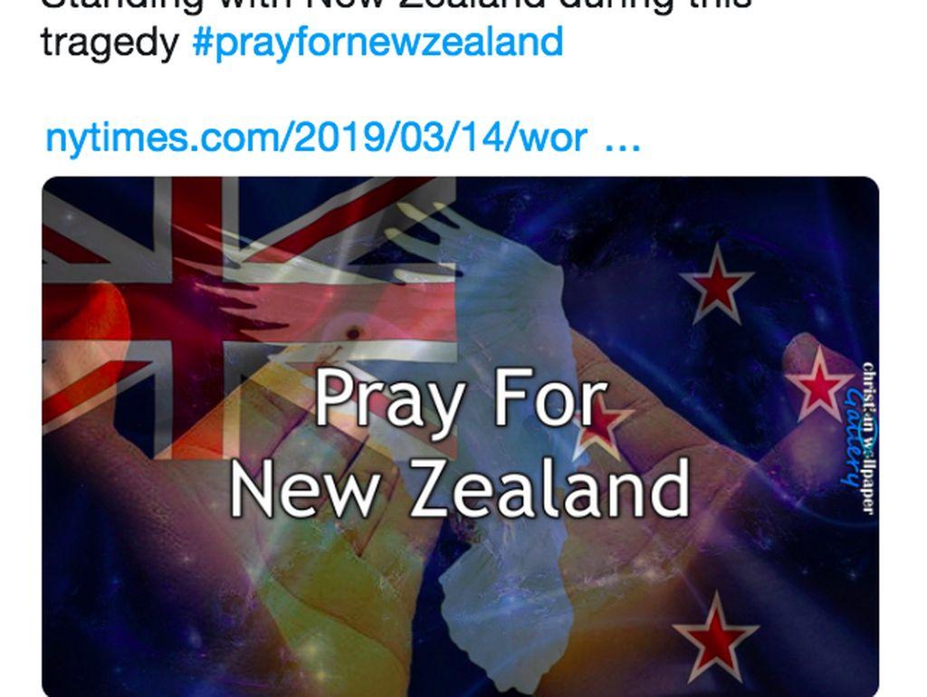 Tulisan Pray For New Zealand dengan ilustrasi menyentuh. Foto: istimewa