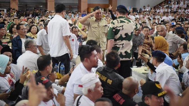 Prabowo 'Siap Salah', Pilih Squat Jump di Depan Jenderal Gaek