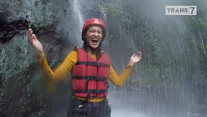 VIDEO: Mengarungi Sungai Kromong bersama Hana Malasan