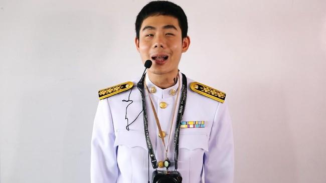 Atas perjuangan dan prestasinya itu, Damkerng menerima penghargaan dari Raja Thailand, Maha Vajiralongkorn. Bahkan Damkerng disebut sebagai contoh yang baik untuk masyarakat dan negara.