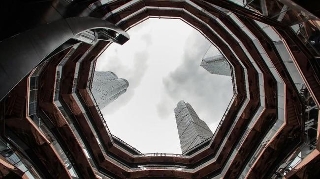 Bangunan itu dianggap terlampau komersil untuk ukuran New York. (REUTERS/Brendan McDermid)