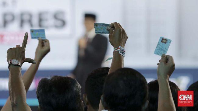 Sandi Sebut e-KTP Sangat Mudah Gantikan Kartu Sakti Jokowi