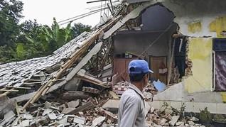 Gempa Lombok Picu Longsor, 40 Orang Terjebak Dua Tewas