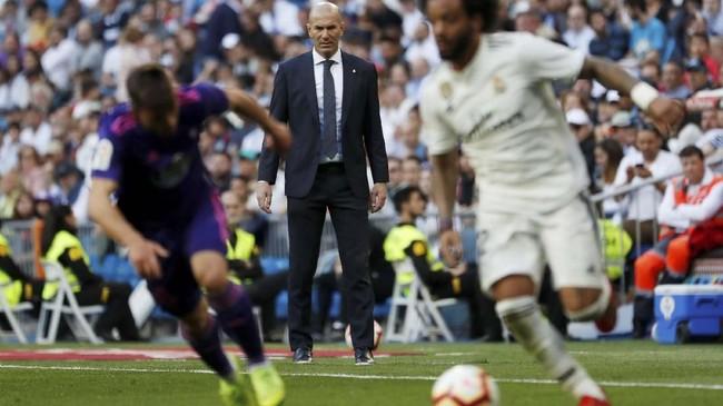 Sejumlah pemain senior Real Madrid seperti Marcelo, Gareth Bale, dan Isco kembali menjadi starter di bawah kepemimpinan Zinedine Zidane. (REUTERS/Susana Vera)