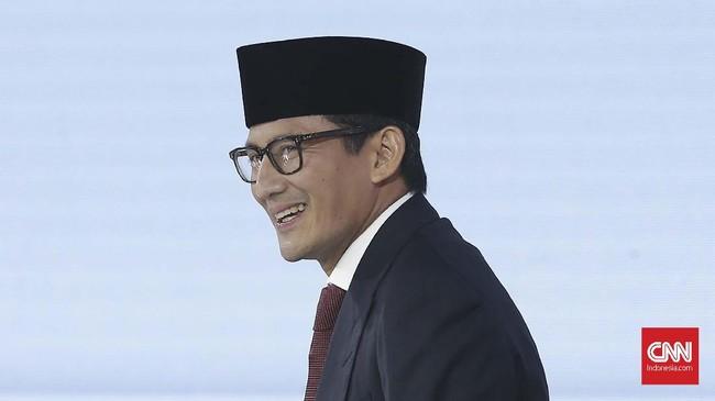 Sandiaga Uno pada debat ini beberapa kali menyampaikan sejumlah keluhan masyarakat yang kemudian dituang ke dalam program kerjanya bersama Prabowo Subianto jika nanti terpilih. (CNN Indonesia/Andry Novelino).