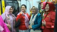 VIDEO: Iriana Widodo-Mufidah Kalla Jajal Naik MRT