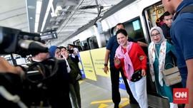 Nyanyian 'Naik Kereta Api' Iriana Jokowi Kala Ikut Jajal MRT