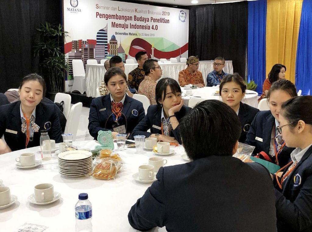 Sebagai salah satu agenda nasional yang dicanangkan oleh Presiden Joko Widodo (Jokowi) dengan tajuk Making Indonesia 4.0, Indonesia diharapkan mampu menembus 10 besar Negara yang akan menjadi prioritas pengembangannya pada tahap awal implementasi Making Indonesia 4.0. Foto: dok. Matana University