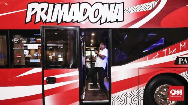 Badan Usaha Milik Daerah, Transportasi Jakarta (Transjakarta), Bakrie Autoparts dan Mobil Anak Bangsa (MAB) hadir di acara Busworld Southeast Asia 2019 di Kemayoran, Jakarta. (CNNIndonesia/Safir Makki)
