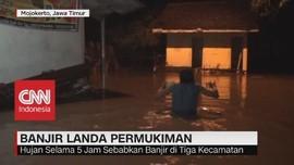 Banjir Landa Pemukiman di Mojokerto