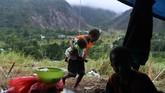 Saat tercatat ada 104 orang korban tewas dalam bencana banjir bandang. Sebanyak 97 orang tewas di Kabupaten Jayapura dan 7 lainnya di Kota Jayapura. 79 orang dilaporkan masih hilang. (ANTARA FOTO/Zabur Karuru/aww)
