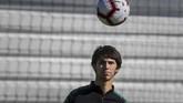 Penyerang timnas Portugal Joao Felix menjalani latihan. Portugal tergabung di Grup B pada Kualifikasi Piala Eropa 2020 bersama Ukraina, Serbia, Lithuania, dan Luksemburg. (PATRICIA DE MELO MOREIRA / AFP)