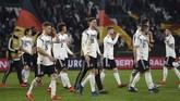 Hasil imbang lawan Serbia menjadi pelajaran berharga bagi Jerman yang tengah membangun kekuatan baru dengan mayoritas pemain muda. (REUTERS/Fabian Bimmer)