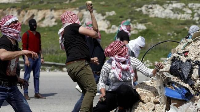 Namun, kementerian tersebut tak menjelaskan detail penembakan terhadap pria 26 tahun itu. (AP Photo/Nasser Nasser)