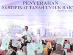 Jokowi yang Selalu 'Gerah' Saat Membagikan Sertifikat Tanah