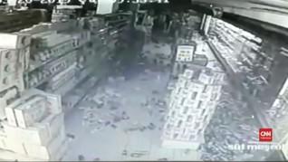 VIDEO: Detik-detik Gempa Turki yang Merusak Bangunan