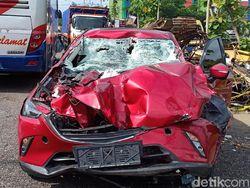 Penampakan Mobil Anak Bupati Mojokerto Nonaktif Kecelakaan di Tol Ngawi