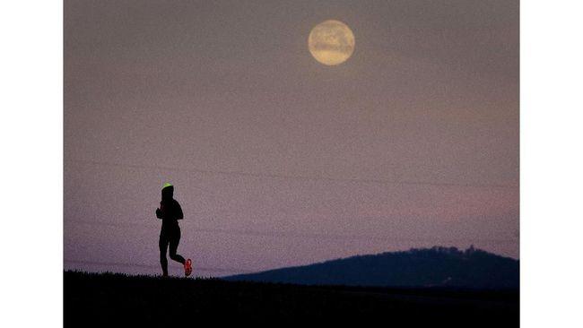Hari Terakhir Nikmati Purnama 'Hunter's Moon'