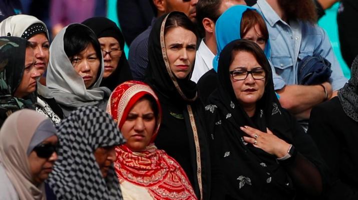 Jumatan Pasca-Penembakan, Warga Selandia Baru Banjiri Masjid
