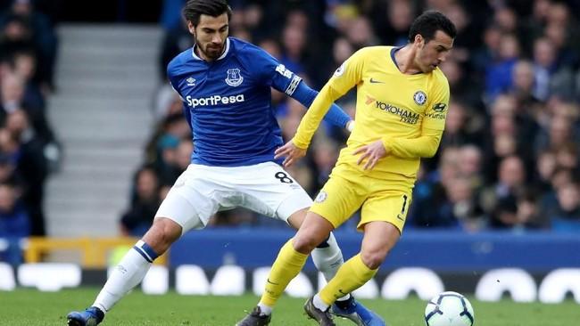 Media asal Spanyol, Sport, mengabarkan pemain serba bisa Andre Gomes menjadi rebutan Inter Milan dan Everton. Gomes saat ini sedang dipinjamkan Barcelona ke Everton. (REUTERS/Jon Super)