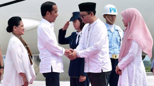 Terbang ke NTB, Jokowi Tinjau Proyek Rumah Tahan Gempa