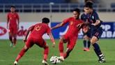 Timnas Indonesia U-23 sempat mencetak gol lewat Dimas Drajad di babak kedua, tapi gol itu dianulir karena offside. Indonesia selanjutnya akan menghadapi Vietnam, Minggu (24/3). (ANTARA FOTO/R. Rekotomo)