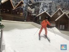 Tak Hanya di Eropa, Kini Salju Juga Turun di Bekasi!