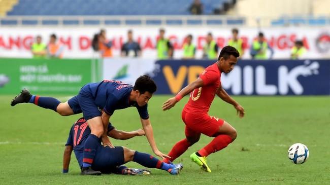 Timnas Indonesia U-23 sempat mengancam pertahanan Thailand di awal babak pertama. Namun, peluang yang didapat Osvaldo Haay gagal membuahkan hasil. (ANTARA FOTO/R. Rekotomo)