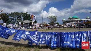 Masih Sepi, Massa Berlatih Yel-yel Sambut Prabowo di Manado