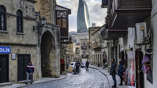 Padahal keragamanan budaya, objek wisata, dan kuliner khas setempat sesungguhnya ampuh menggoda turis datang kembali setelah berkunjung ke sini. (Mladen ANTONOV / AFP)