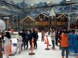 Wow, Bisa Main Ski hingga Kereta Salju di Trans Snow World