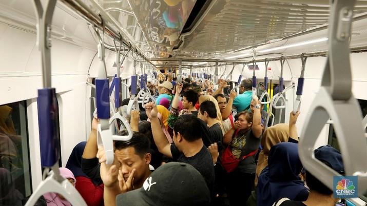 LRT Palembang sempat ramai diperbincangkan publik karena sepi peminat.
