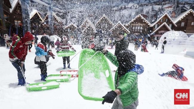Snow Area Playground adalah tempat untuk bermain salju bersama yang aman untuk anak-anak. (CNNIndonesia/Safir Makki)
