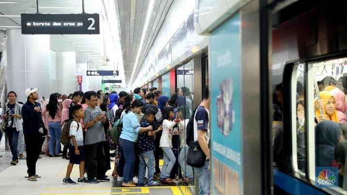 Ini tarif MRT antarstasiun.