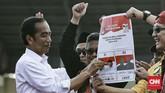 Capres nomor urut 01 Joko Widodo mengawali kampanyeakbar di Stadion Maulana Yusuf, Serang, Banten, sementara capres nomor urut 02 Prabowo Subianto menggelar acara di Manado, Sulawesi Utara. (CNN Indonesia/Andry Novelino)