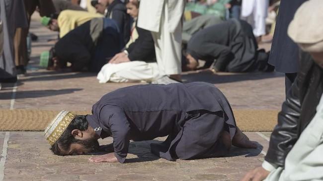Suatu hari, kata Khan, ia ingin benar-benar bertemu langsung dengan Dinklage. (Photo by AAMIR QURESHI / AFP)