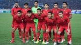 Timnas Indonesia U-23 berfoto bersama jelang pertandingan Grup K kualifikasi Piala Asia U-23 AFC 2020 melawan Vietnam di Stadion Nasional My Dinh, Hanoi, Minggu (24/3). (ANTARA FOTO/R. Rekotomo)