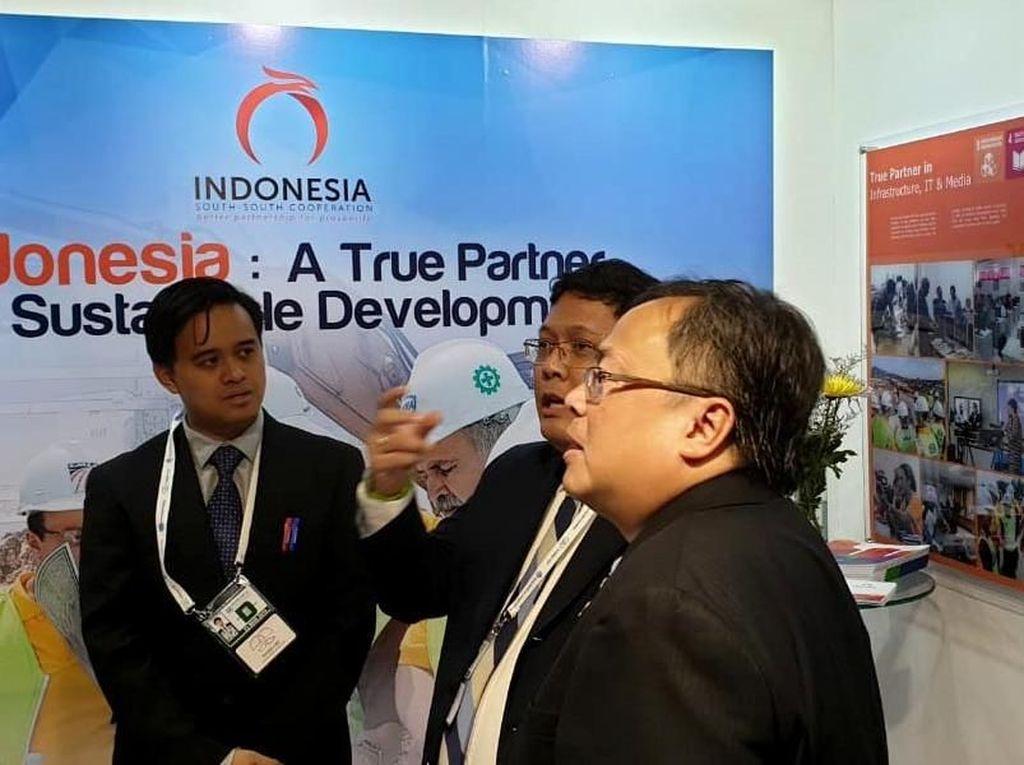 Ia memaparkan peran sentral Kementerian PPN/Bappenas sebagai Koordinator Nasional SDGs di Indonesia dan rencana pembentukan Indonesia Aid sebagai upaya penguatan Kerjasama Selatan-Selatan Tringular (KSST). Foto: dok. Bappenas