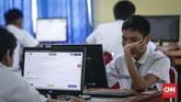 Menteri Pendidikan dan Kebudayaan Muhadjir Effendy mengklaim UNBK berhasil menghilangkan hingga 99 persen kecurangan. (CNNIndonesia/Safir Makki)