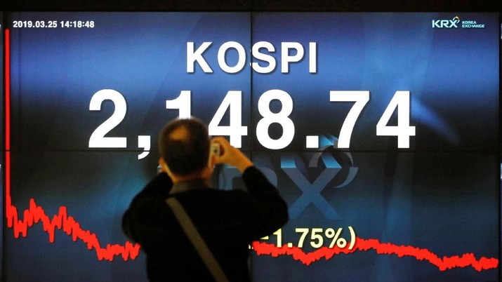 Bursa saham utama kawasan Asia ditutup bervariasi pada perdagangan hari ini.