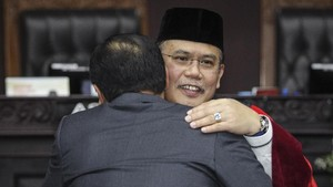 Hakim MK Pastikan Tak Temui Kubu Prabowo Saat Daftar Gugatan