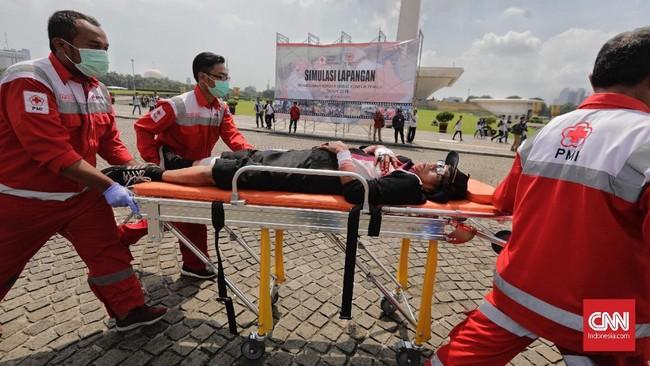 Berdasarkan laporan intelijen, Wiranto mengatakansituasi menjelang dan saat hari pencoblosan 17 April mendatang cukup kondusif. Tidak ada indikasi kerusuhan. (CNNIndonesia/Adhi Wicaksono)