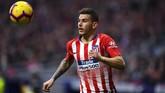 Bek serbabisa Atletico Madrid, Lucas Hernandez, dilaporkan Football Espana sudah menjalin kesepakatan personal dan akan menjadi pemain Bayern Munich musim depan. (Photo by GABRIEL BOUYS / AFP)
