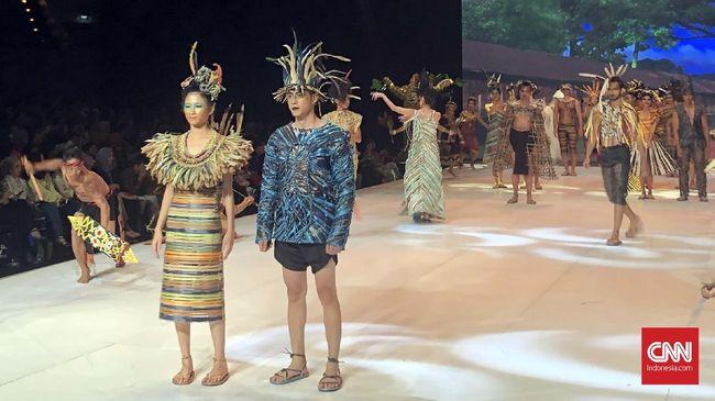 Cerita Busana Anyaman Borneo Buka IFW 2019