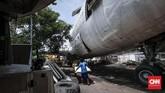 Meskipun terlihat lusuh, hasil akhir pesawat bekas ini akan dipercantik dengan interor dan dicat kembali. (CNN Indonesia/Safir Makki)