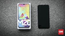 Samsung Galaxy M20 Baterai Besar, Kamera Depan Agak 'Lebay'