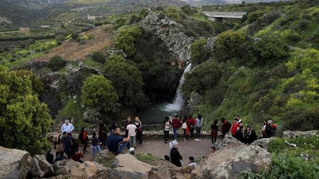 Di Dataran Tinggi Golan juga terdapat sejumlah tempat wisata dan peninggalan arkeologi penduduk Yahudi di masa lalu. (REUTERS/Ammar Awad)