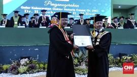 Sempat Didemo, UINSA Anugerahkan Doktor HC ke Soekarwo