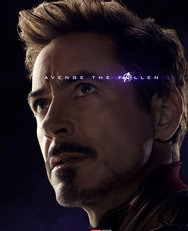 Selain itu Tony Stark (Iron Man) juga dibuatkan poster. Tony Stark digambarkan sebagai sosok ilmuwan sukses dengan peralatan super canggih. Tokoh-tokoh yang maish bertahan hidup digambarkan dengan poster berwarna. (dok. Disney)