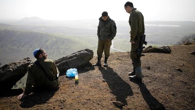 Persoalan status Dataran Tinggi Golan dikhawatirkan menimbulkan gejolak baru di kawasan Timur Tengah. (REUTERS/Amir Cohen)